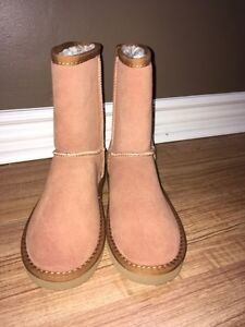 Women's size 6 Uggs