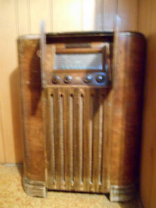 RCA Victor Globetrotter antique radio - Price Reduced!! Regina Regina Area image 2
