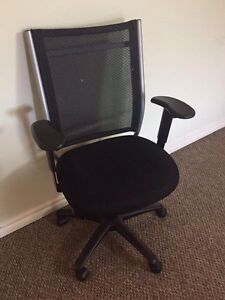 Moving Sale computer chair$10