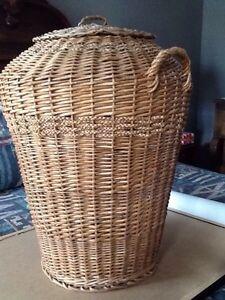 Vintage Wicker Clothes Hamper Belleville Belleville Area image 1