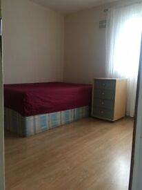 Double room for rent in borehamwood