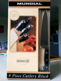 Mundial 9 piece Cutlery Block - NEW