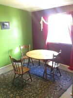 $640 w utitlies: Roommate South facing West HIllhurst townhouse