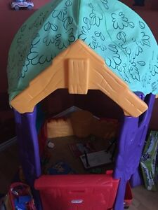 "Winnie the pooh play ""tree"" house (little tikes)"