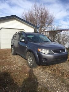 2009 Mitsubishi Outlander 4X4 V6 Ready for Winter