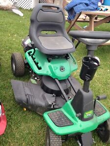 Like new ride on lawn mower