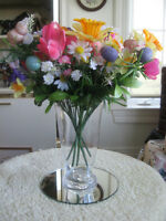 COLORFUL BOUQUET of FLOWERS in CLEAR GLASS VASE