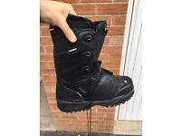 Salomon snow boots for snowboard.