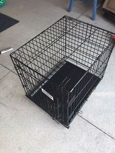 Small to medium size dog crate London Ontario image 1