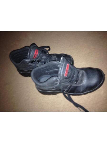 Steel toe cap boots size6