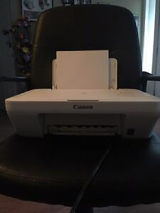 CANON WIRELESS PRINTER COMES WITH 3 BRAND NEW CARTRIDGES Belleville Belleville Area image 1