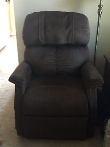 Recliner/lift chair London Ontario image 1