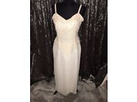 Classic ivory wedding dress size 14 16 dry cleaned with pearls pleased