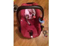 Maxi cosi pebble in pink car seat