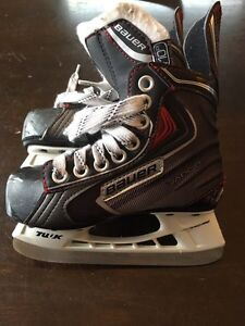 Youth Bauer skates size 8