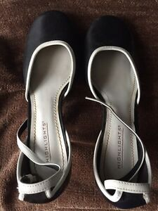 Shoes - women's size 7 Peterborough Peterborough Area image 2