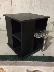 Cd stand stand