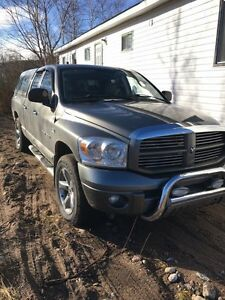 07 Dodge Ram sport fully loaded leather interior