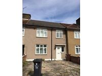 Lovely Studio Flat in Chadwell heath. Rent £750 PCM (including council tax)