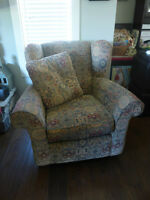 Chair for sale. Good condition.