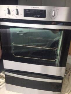 Electric 60cm Westinghouse S/Steel Wall Oven Separate grill