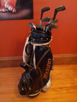 Right Handed Dynatour Golf Clubs and Mizuno Bag