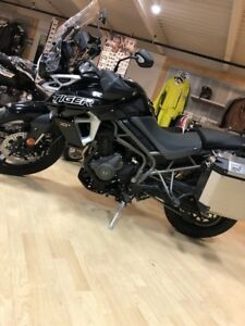 2018 Triumph Tiger 800 XRX Low Jet Black