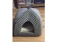 CAT /SMALL DOG IGLOO almost new