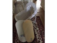 Clair de lune Moses basket and stand New still in wrapper