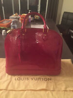 sac a main louis vuitton Alma GM rouge pomme