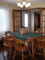 Dining room table,chairs, buffet and hutch