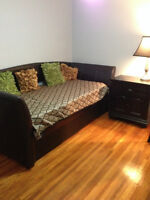 Fully furnished room for Home-stay 5 minutes from the University