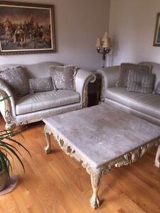 Luxury furniture and coffee table  Windsor Region Ontario image 1