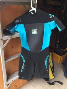 Bodyglove wet suit worn once Prince George British Columbia image 1