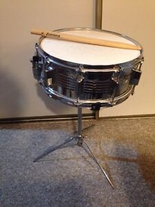 ludwig buy or sell drums percussion in london kijiji classifieds. Black Bedroom Furniture Sets. Home Design Ideas
