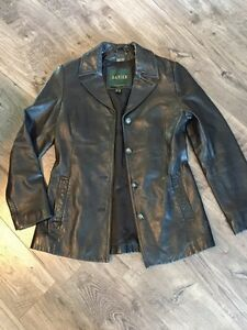 Women's Danier leather coat size 6 Kingston Kingston Area image 1