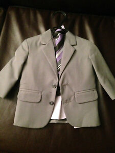 Brand New stylish 4-piece suit set
