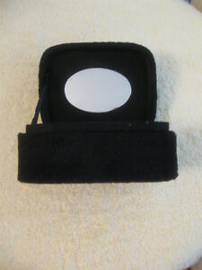 NEAT LITTLE BLACK PLUSH PADDED MIRRORED JEWELRY BOX.....SPOTLESS