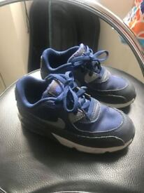 boys / infants nike air max trainers size 9