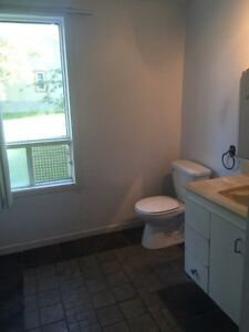 Attention flippers  tres Bon investment/great investment West Island Greater Montréal image 4
