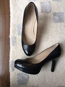 Tahari Black Leather Pumps - size 6