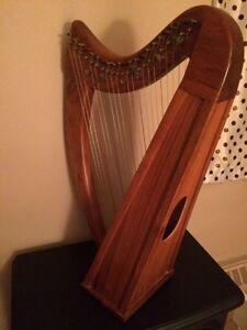 Pristine 22 string Irish lap harp. No tuning key.  London Ontario image 6