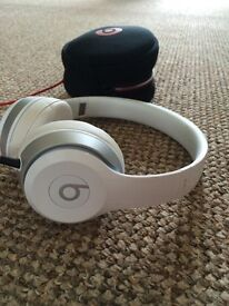 Beats solo 2.0 in Excellent condition