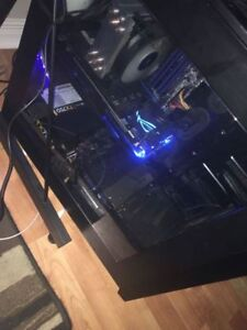 Custom Built Streaming/Gaming PC w/ Monitor's - Mic - Keyboard