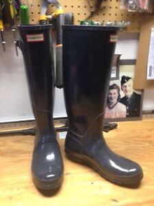 Hunter Rainboots (size 40-41; Navy)
