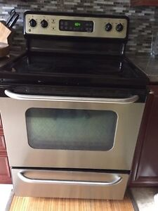 GE electric smooth top SS stove in working condition