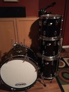 vintage ludwig buy or sell drums percussion in ontario kijiji classifieds. Black Bedroom Furniture Sets. Home Design Ideas