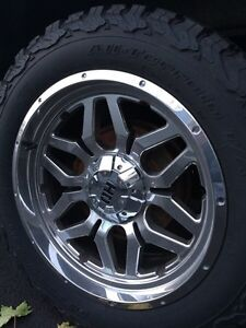Set of four chrome tire rims