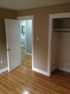 LARGE 1 BEDROOM UPTOWN AVAILABLE OCT 1 HEAT and LIGHTS INCLUDED