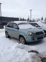 2008 Hyundai Tucson SUV, 4 BY 4, LOW KM 86,000, NEW BATTER